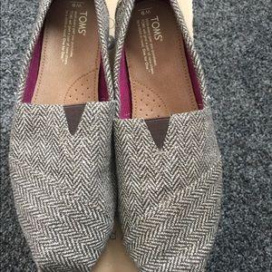 b9656083ca5 Toms Shoes - BNWT TOMS SIZE 9 shoe